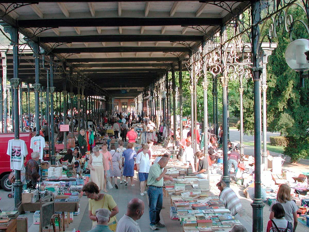 Flohmarkt in der Wandelhalle Galerie Leopold II.