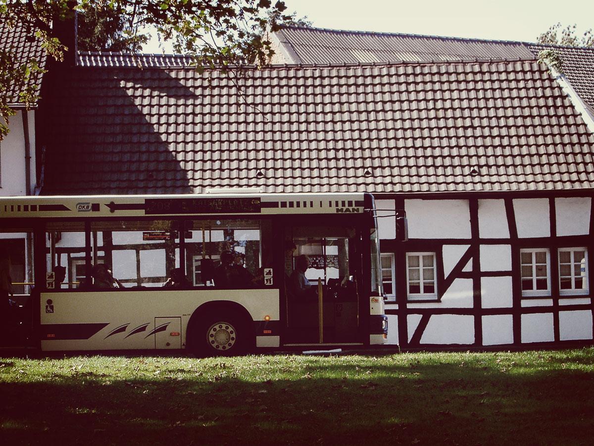 Ein Bus der DKB in Nörvenich