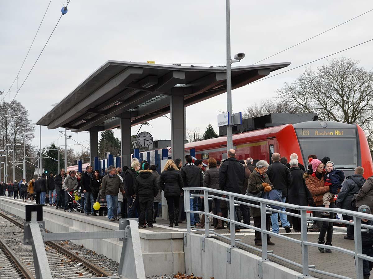 Der Bahnhof Heinsberg zur Eröffnung.