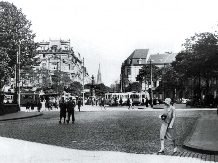 Die Aachener Kleinbahn in den 1920er Jahren am Kaiserplatz.