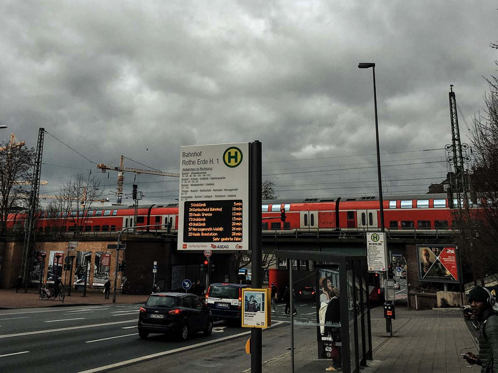 Bushaltestelle am Bahnhof Aachen-Rothe Erde