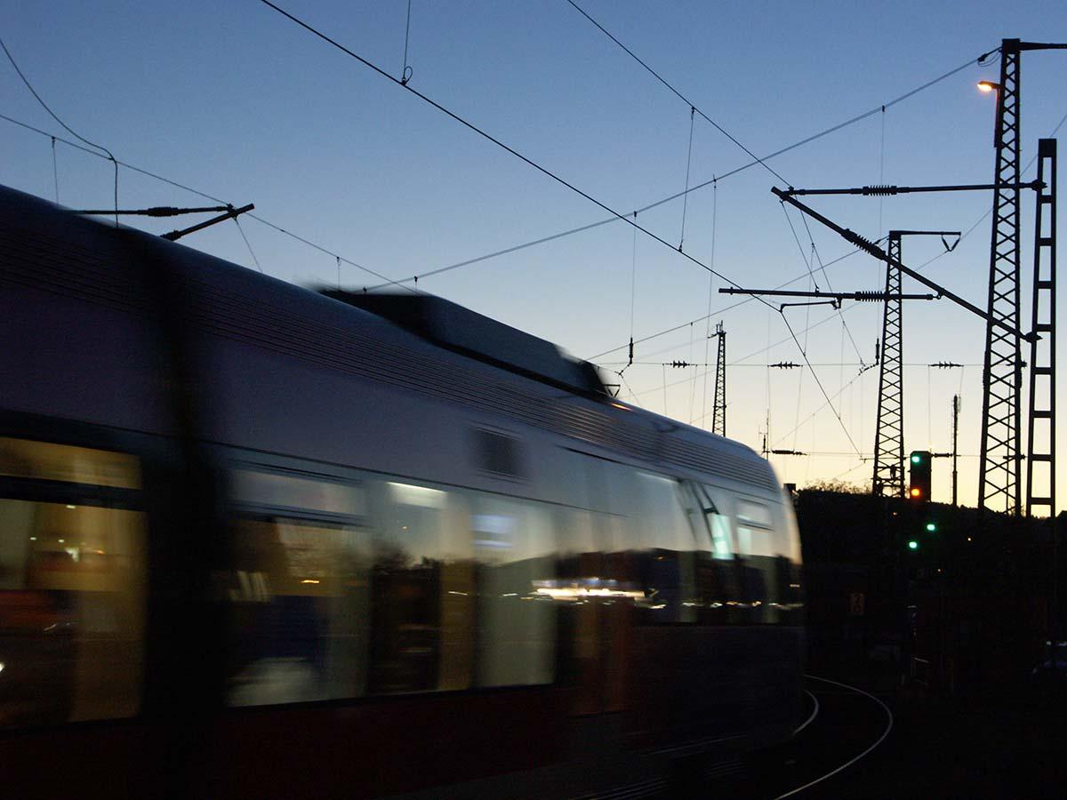 euregiobahn in der Dämmerung