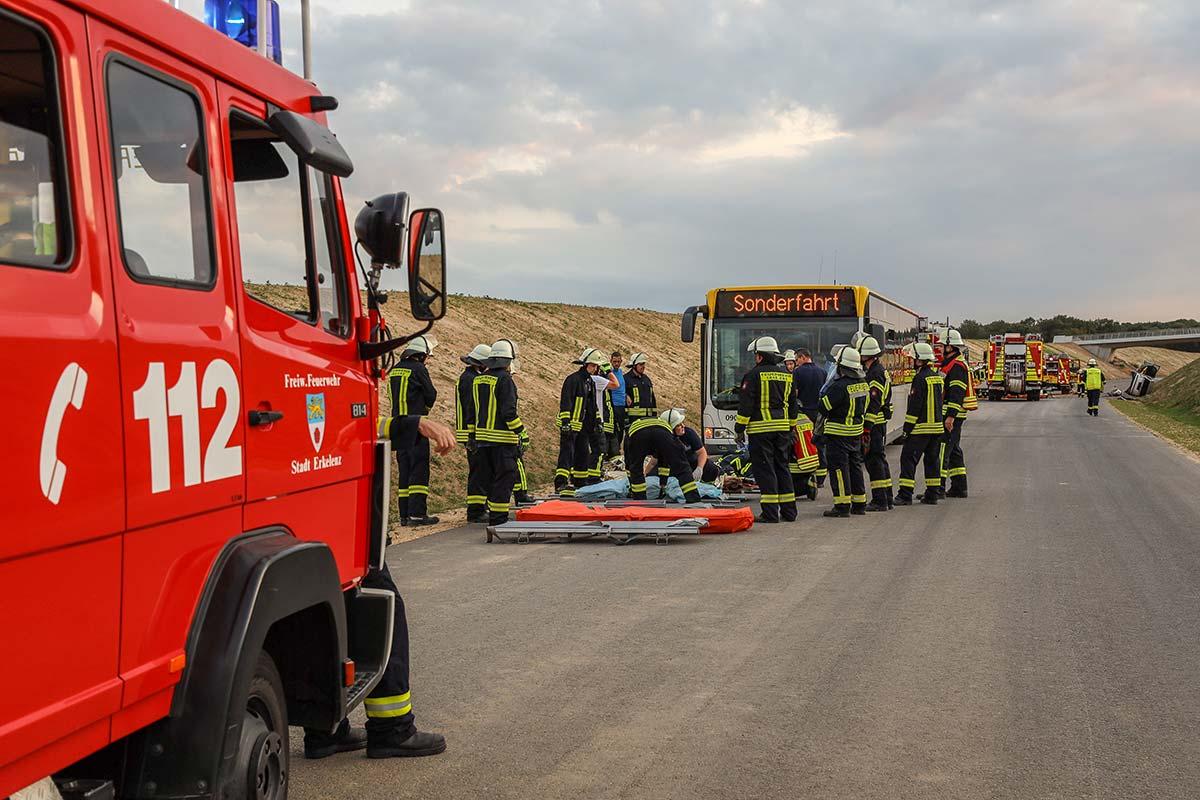 Feuerwehrübung mit West-Bus